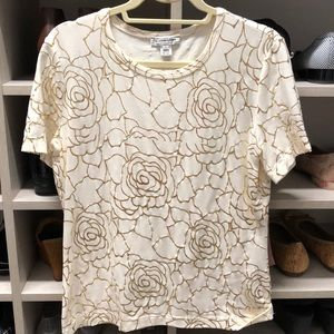 Stretchy St John Sport off white and gold tee L